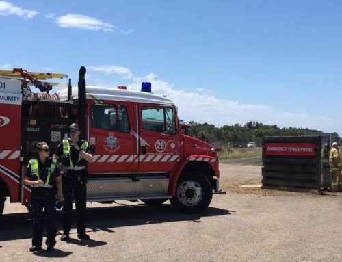 Light plane damaged in attempted landing at Moorabbin Airport
